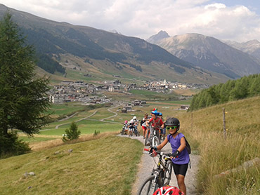 bike tours livigno rh livigno eu Asheville NC Mountain Bike Guides best mountain bike chain guide